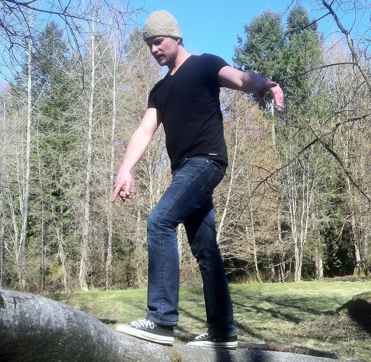 erik log walking up high