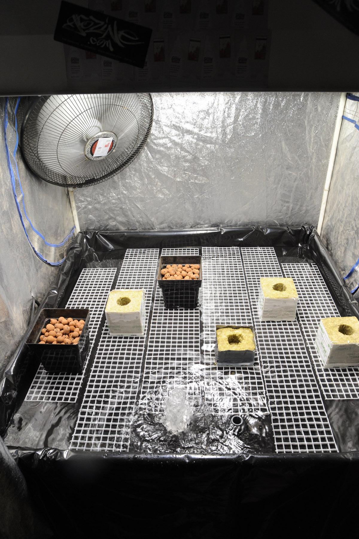 DIY hydroponics flood table